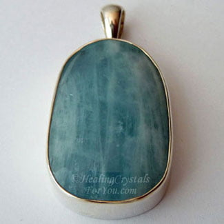 Aquamarine gemstone pendant