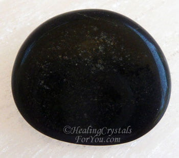 Black Jade Meaning & Use: Guardian Stone Against Psychic