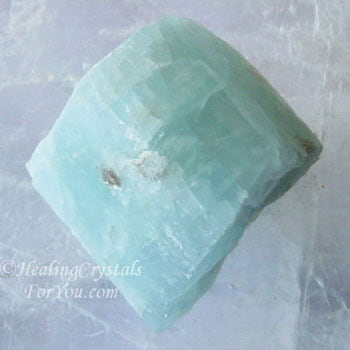 Aquamarine Crystals Meaning & Use: Healing Crystals For You